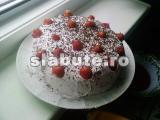 Poza aliment (Indice Glicemic si Incarcatura Glicemica) Tort diplomat cu capsuni