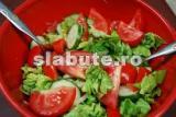 Poza (imaginea) pentru calorii Salata verde cu rosii si putin ulei